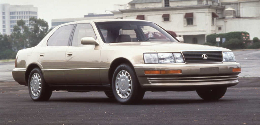 Lexus-LS-400